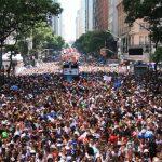 Desfile do Cordão do Bola Preta - Muito legal, mas muito cheio!